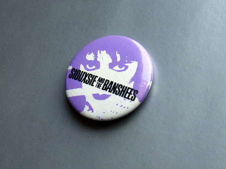 Siouxsie and the Banshees 'Smash Hits' magazine giveaway badge.