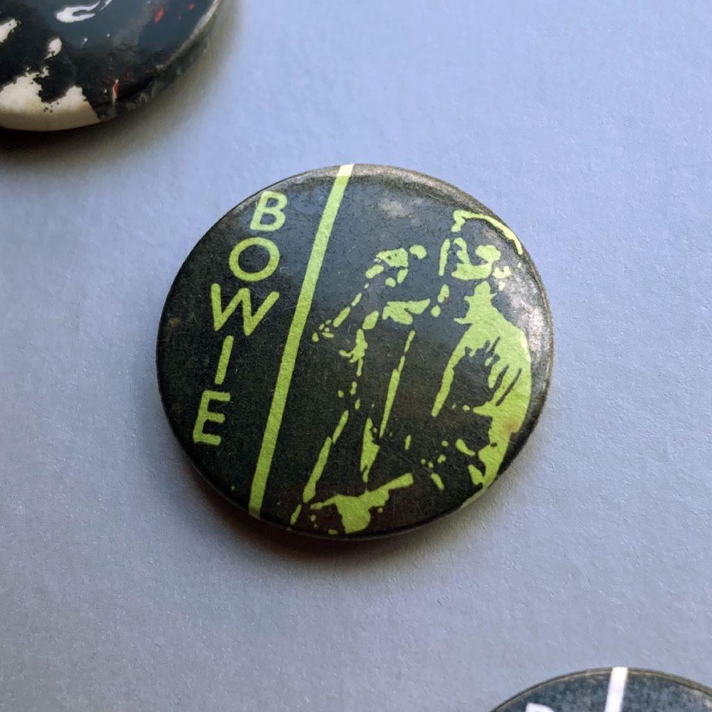 David Bowie button badge - Stage era design - green/black
